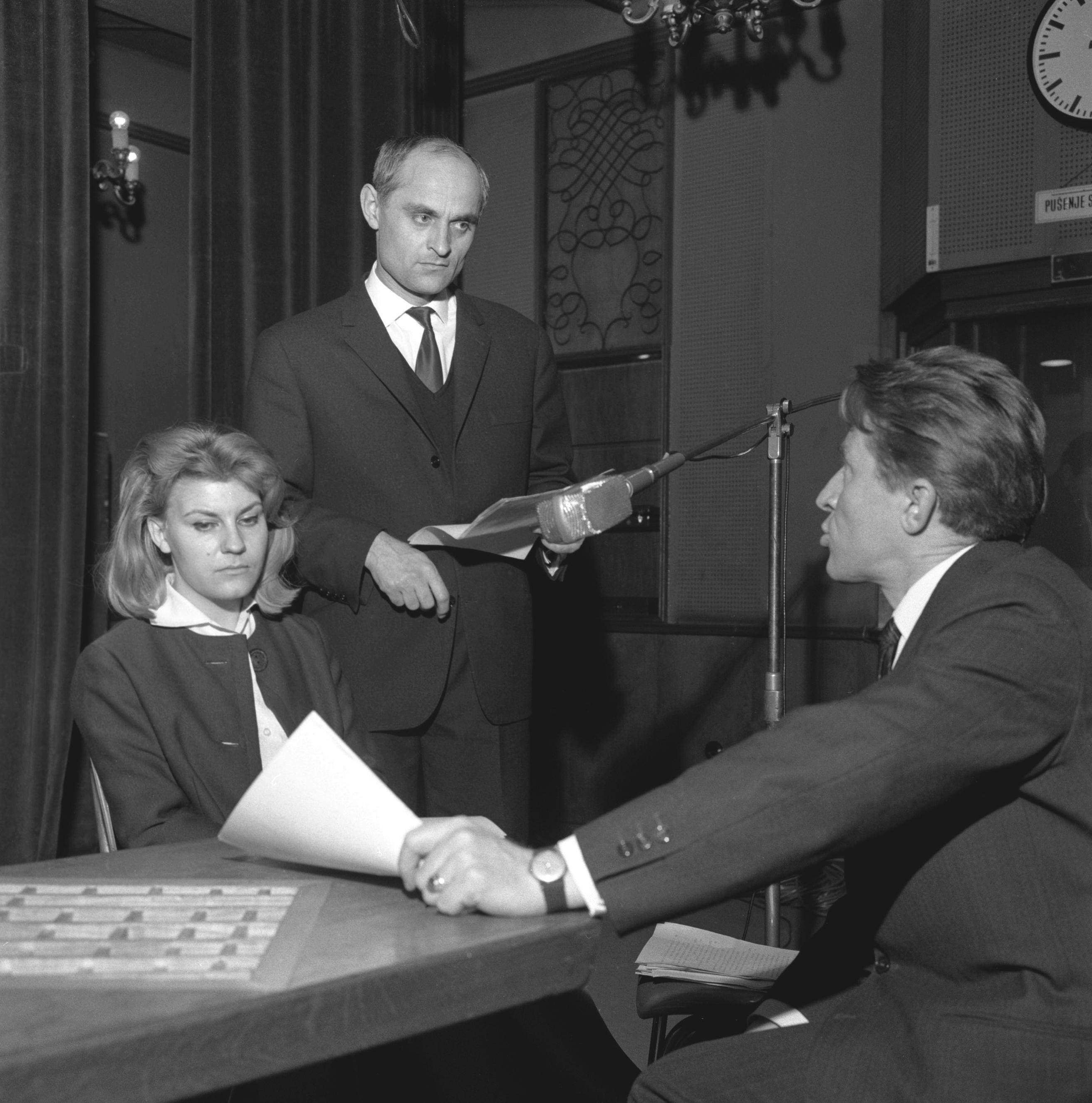 Vanja Drach, Fabijan Šovagović i Neva Rošić na snimanju radiodrame