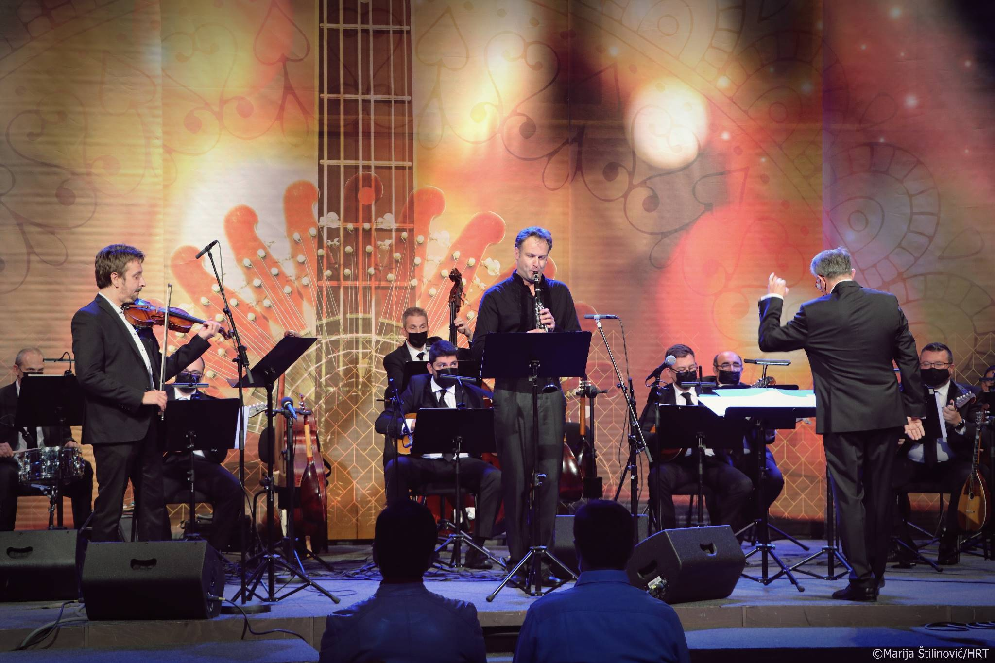 Emil Gabrić i Bruno Philipp s Tamburaškim orkestrom HRT-a pod vodstvom Siniše Leopolda